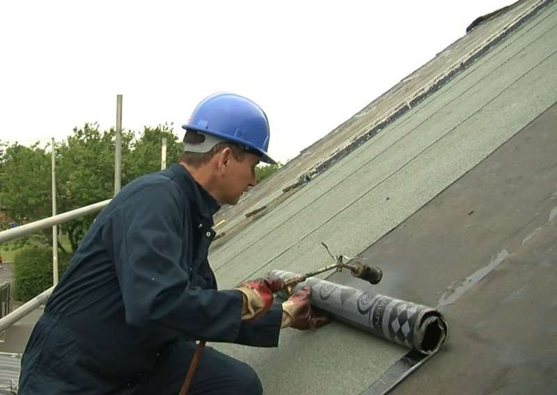md torch on roofing big mzbR